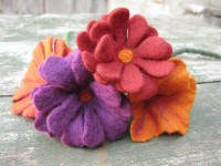 Handmade red, orange, purple felt flowers | Felt seminars in Greece