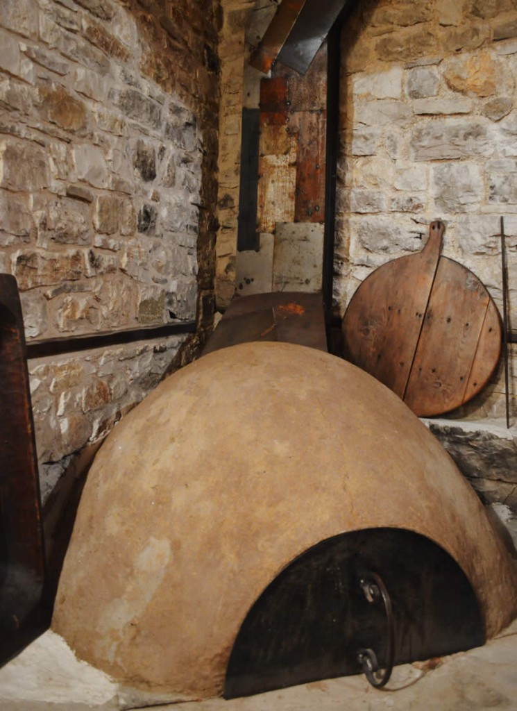 The cob wood fired oven for the pizza days in the Hotel Anemi in K. Pedina village, Central Zagori