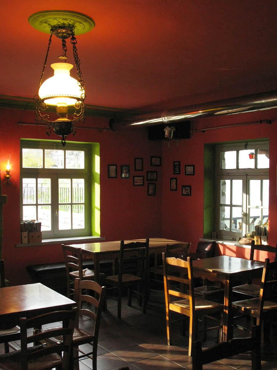 The dinning area of the cafe - tavern in Kato Pedina Zagori