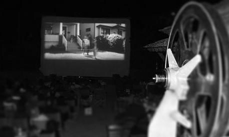 outdoor-cinema-zagori-greece (1)