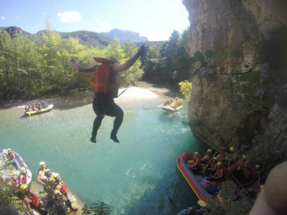 Rafting in Voidomatis river with Papigo-Rafting