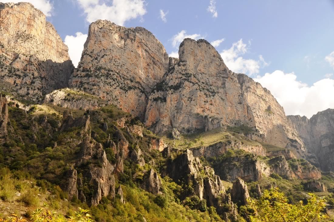 Crossing Vikos canyon