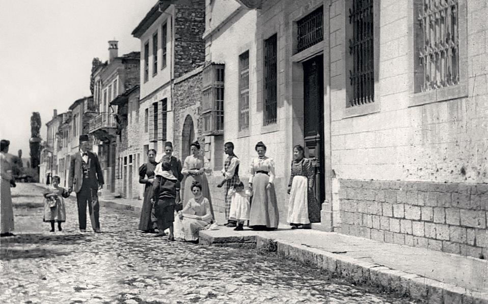 Ioannina, 1898. Members of the Levis family in front of the home occupied by one of Nissim's brothers, Matathoulis Levis (seen far left holding his son Sam by the hand). The home still stands today.