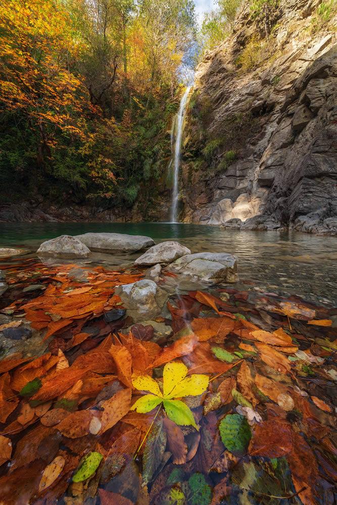 The waterfall during fall 2018 in Heliochori village in Central Zagori | Alexandros Malapetsas