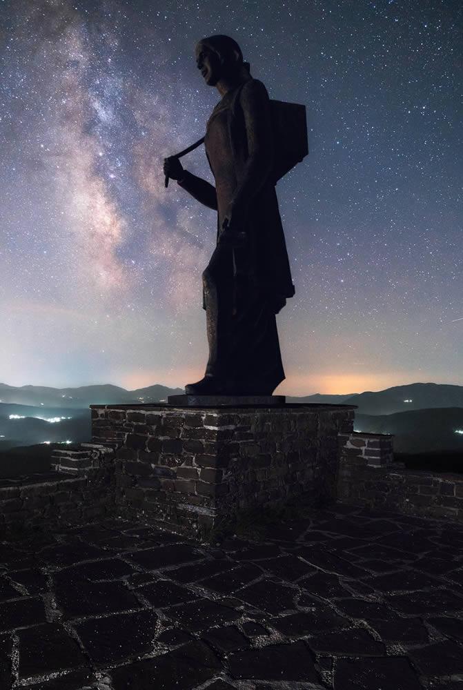 "Statue of ""Zagoritissa"" or the woman of Zagori | Alexandros Malapetsas"